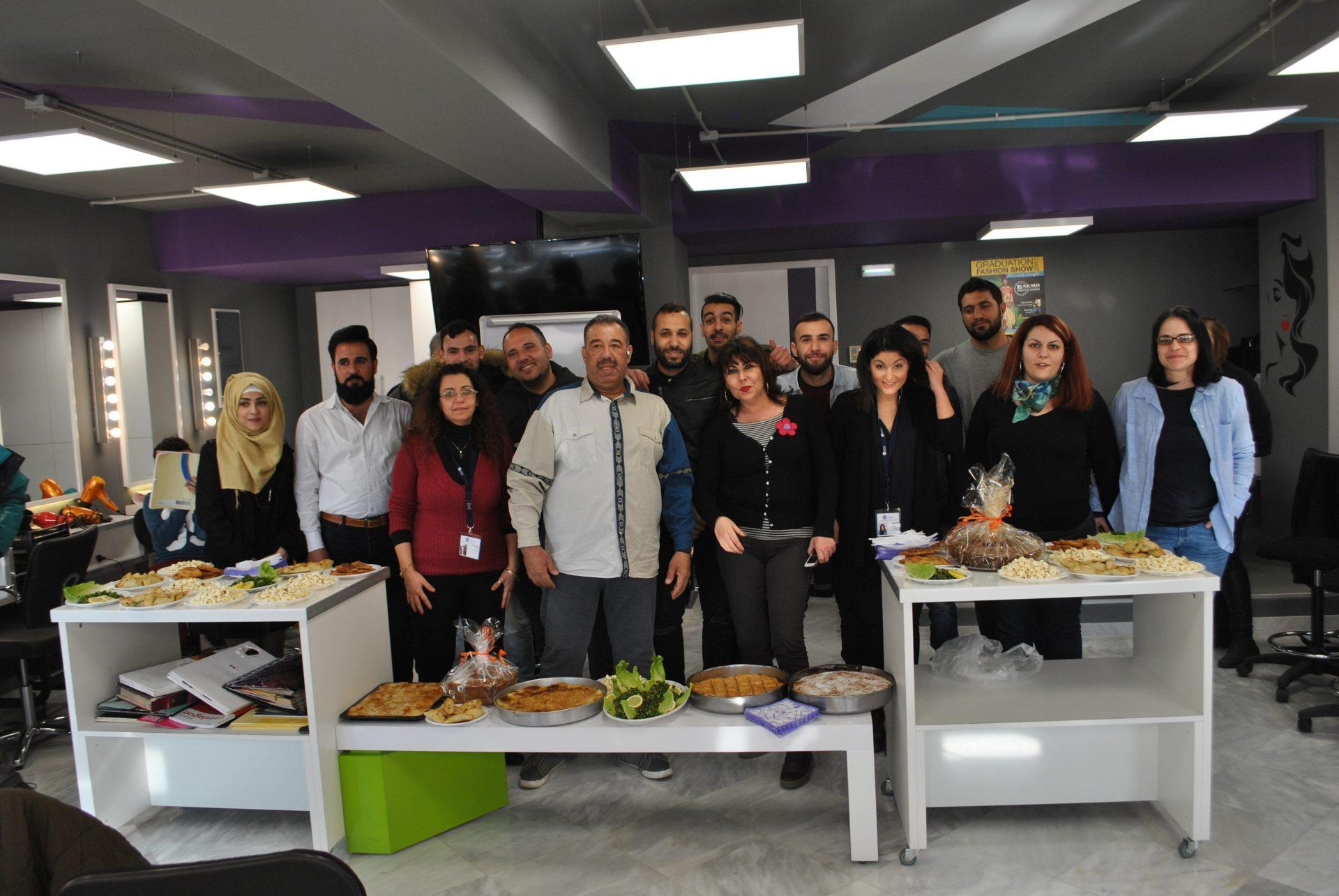 Γιορτή για τη λήξη των μαθημάτων κομμωτικής στη Θεσσαλονίκη