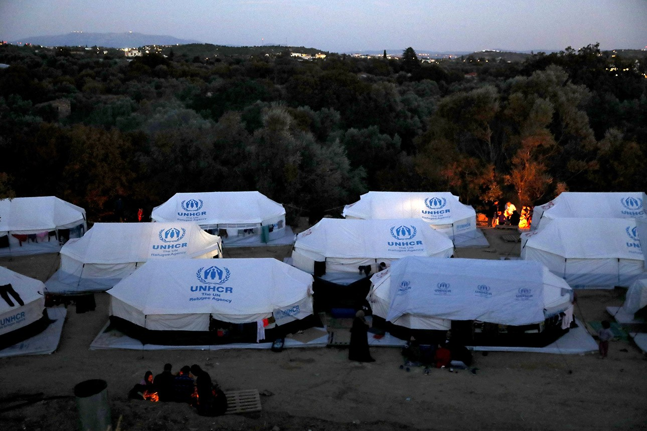 Greece: Government Defies Court on Asylum Seekers Reinstates Containment Policy That Keeps People Trapped on Islands