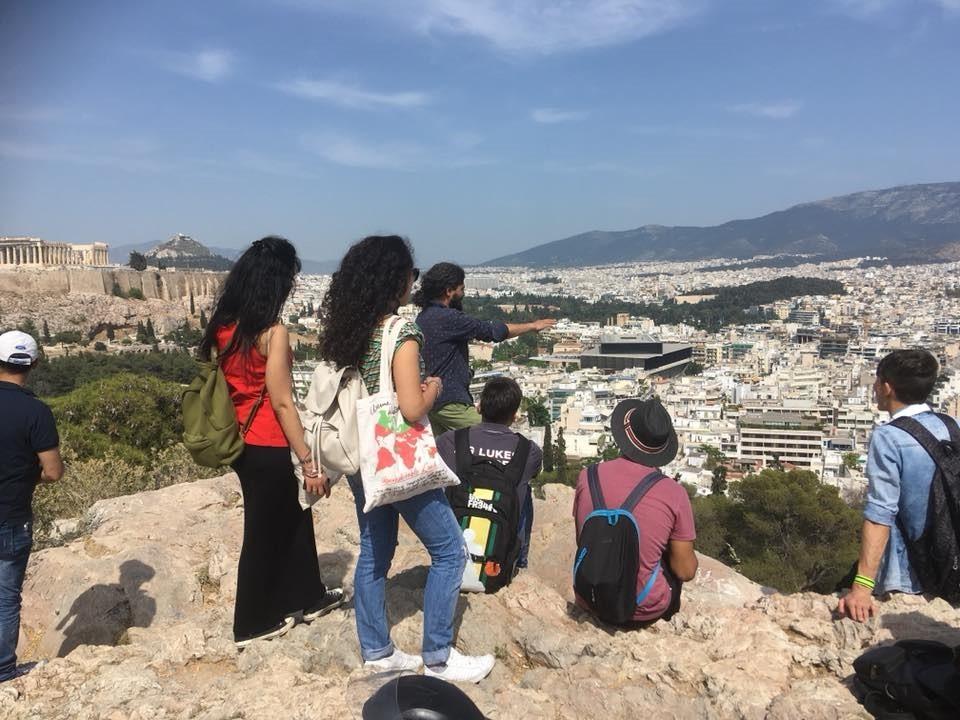 Περίπατος στην Αθήνα των ωφελούμενων της ομάδας «Εμψύχωση Εφήβων»