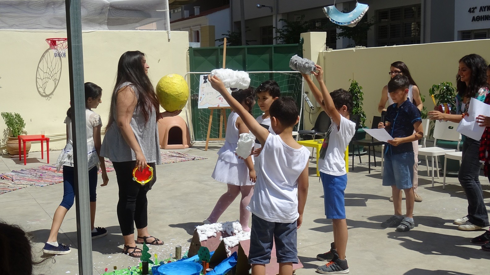 The Social Spot at plαteia Vathis celebrated the closing of the school year