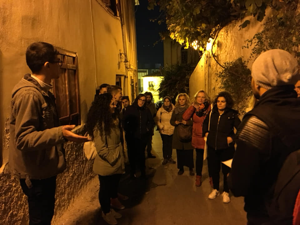 "Tour guide to Plaka by the ""Discover Athens"" Group - Κάριτας"